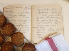 Ngaire's ANZAC Biscuits